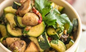 Sauteed-Zucchini-and-Mushrooms